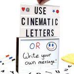 Litovative 3 en 1 Boîte à lumière A4 | Cinematic Light Box | Lettres cinématographiques | Dessin, écriture manuscrite, croquis | Slide Projector comprend 5 diapositives artistiques pour les célébrations | USB ou batterie | Marqueurs et lingette inclus. de image 1 produit