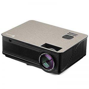 Vidéoprojecteur HD, Projecteur Cinéma Maison Houzetek M5, 4000 Lumens Projecteur LCD Supporte 1080P Full HD VGA / HDMI / USB / SD / AV Entrée, Compatible avec PS3, PS4, Amazon Fire TV Stick, TV Box, Clé USB, PC, Ordinateur portable, SD carte, iphone, Andr image 0 produit